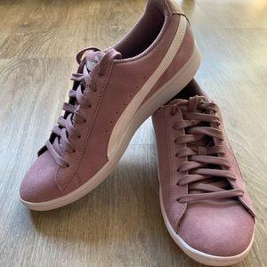 Puma ladies vikky suede shoes